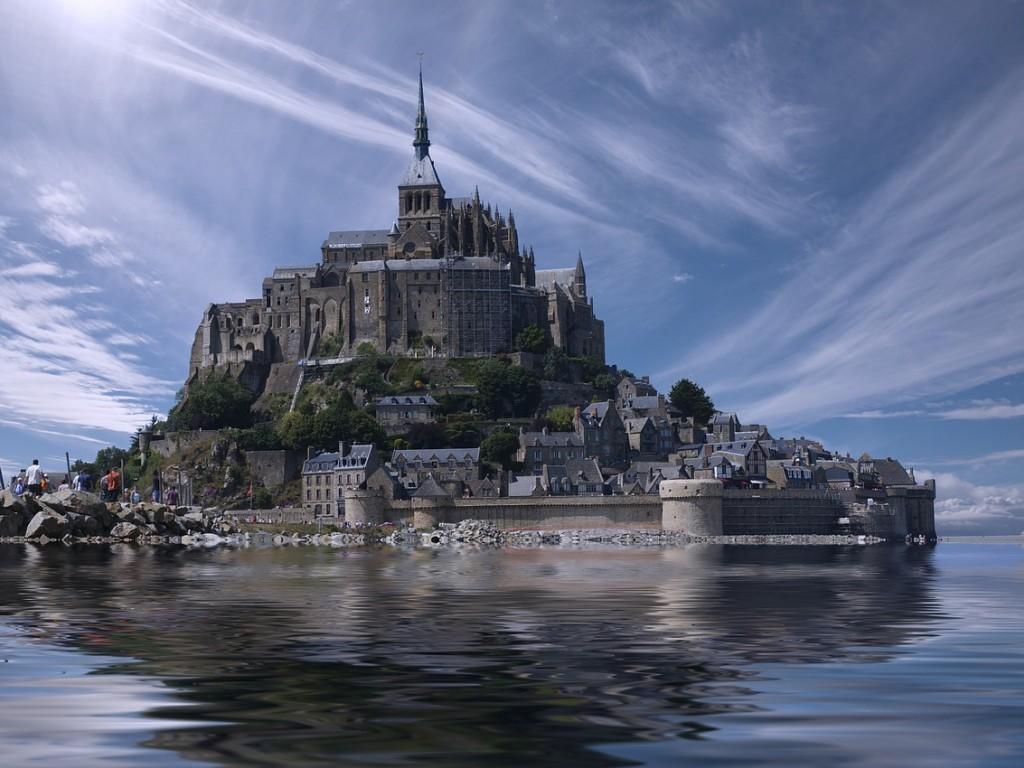 Mont Saint Michel 1024x768 Wallpaper Avcms
